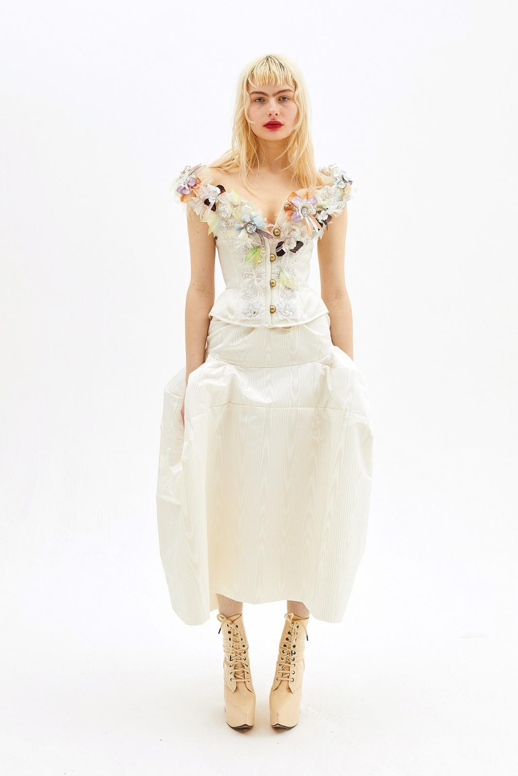 Svatebni Kolekce Ss 19 Od Vivienne Westwood Klasiku Necekejte