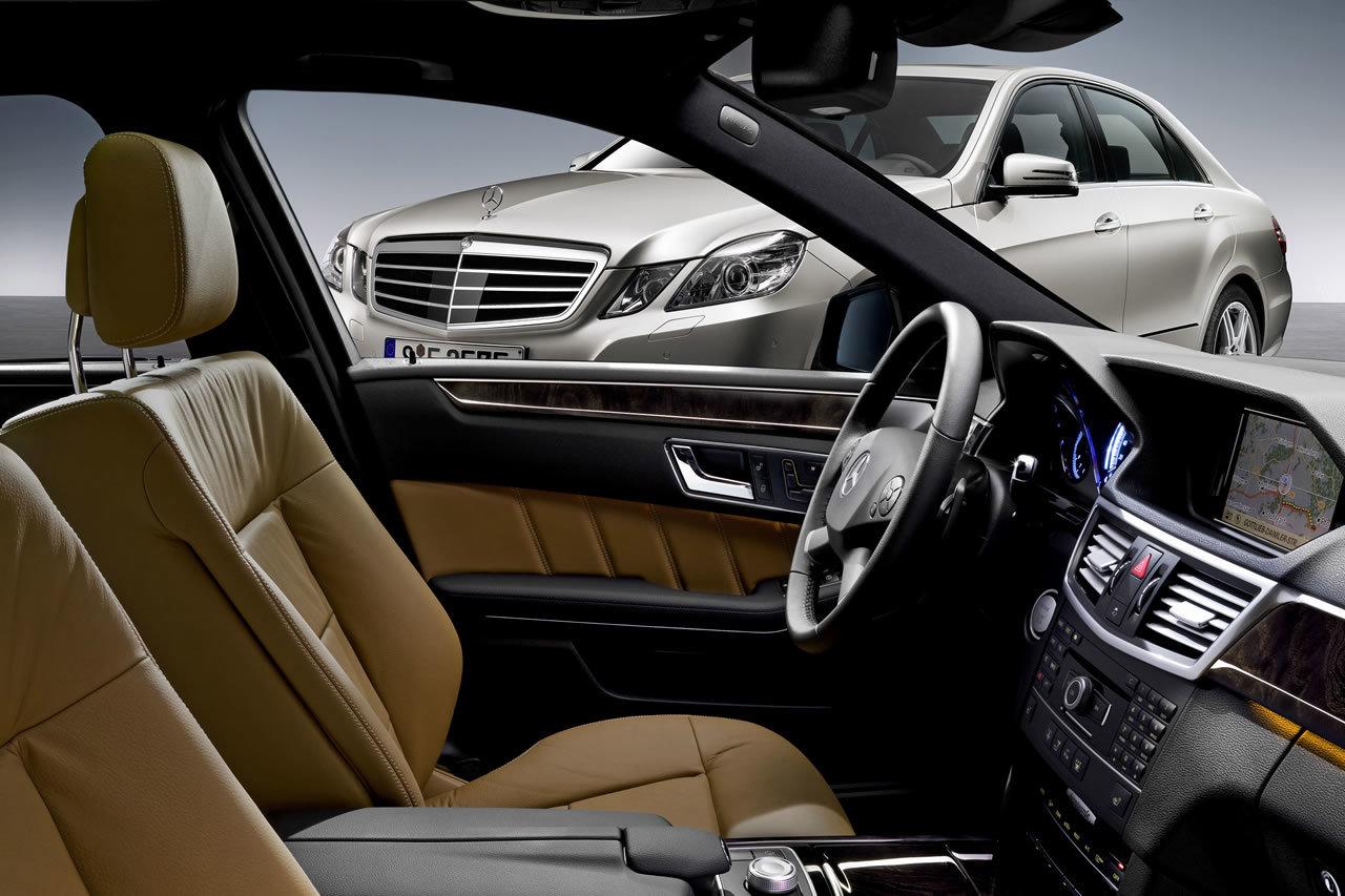 Interi ry mercedes benz t dy e nejvy ohodnocen for Mercedes benz battery life