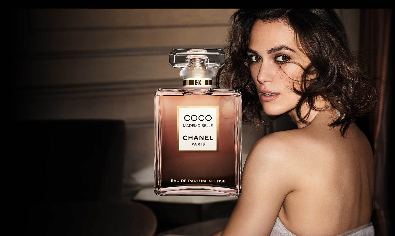 coco mademoiselle chanel perfume marketing history Chanel coco mademoiselle (2001), currently the usa's top selling women's fragrance, has little to do with the 1984 coco fragrance it allegedly flanks one isn't related to the other, except from a marketing standpoint that has coco mademoiselle positioned to sell to young women and coco aimed at an older crowd.