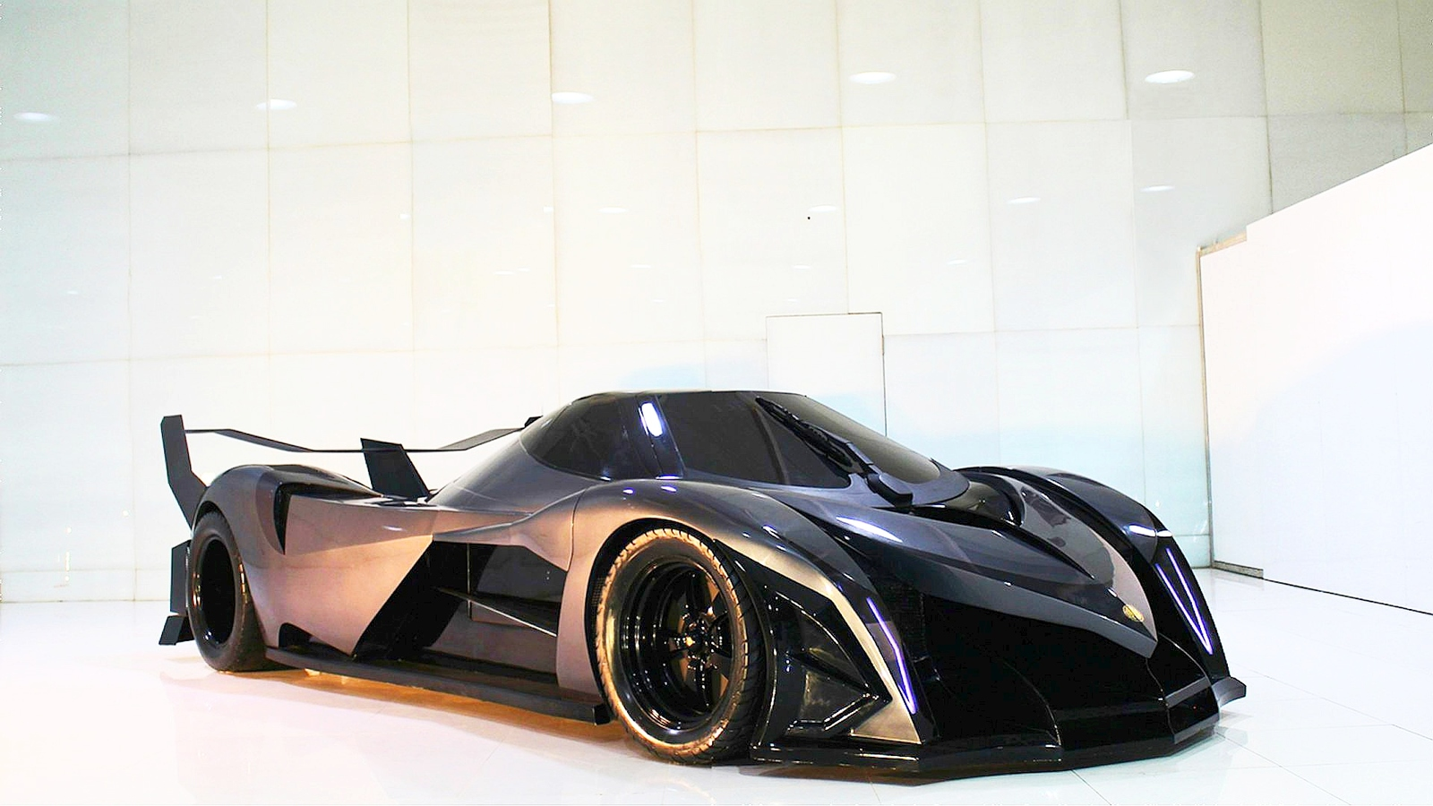 Devel Sixteen This Hypercar From Another World Will Bring You To