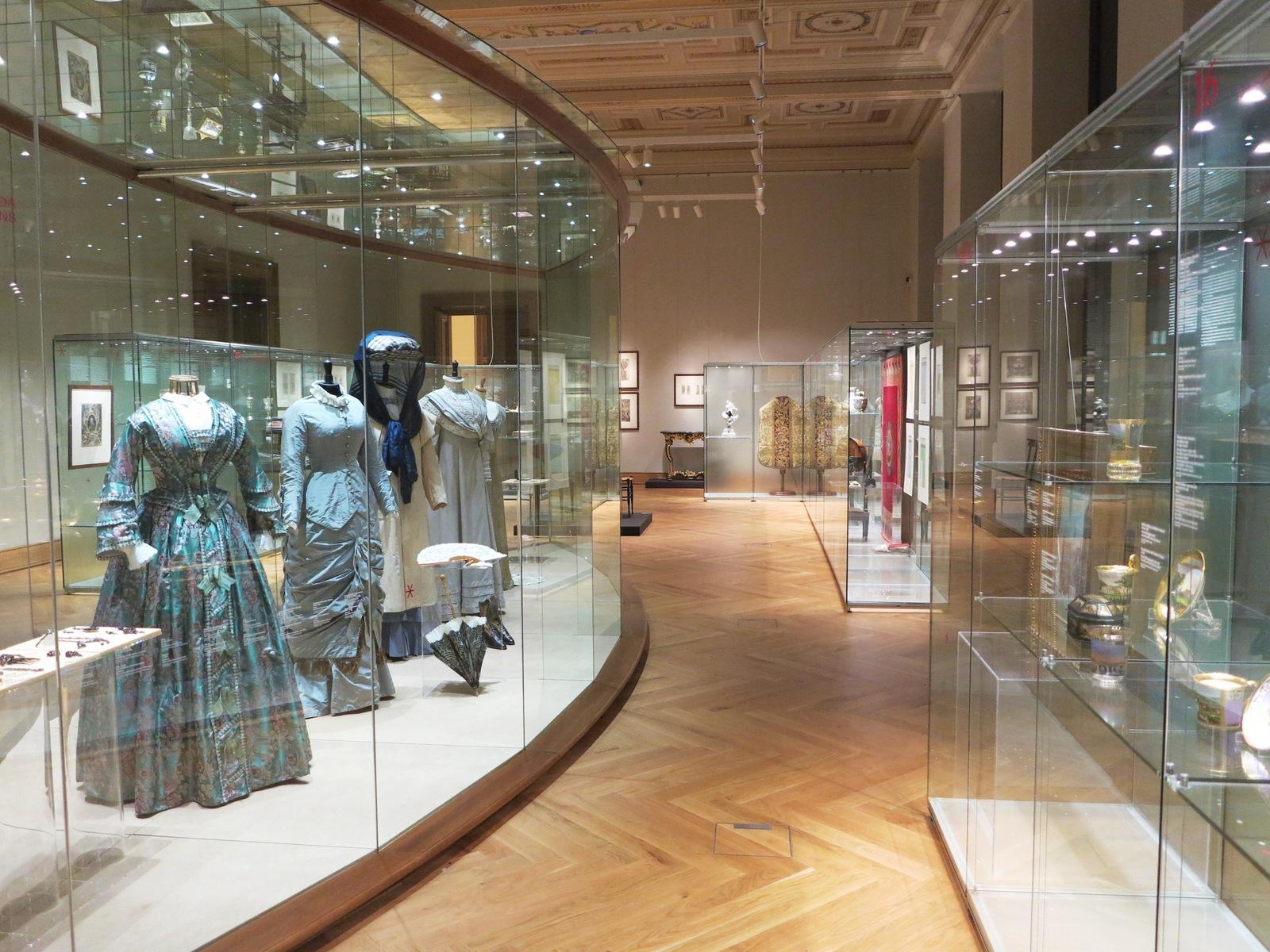 Uměleckoprůmyslové museum v Praze se konečně otevřelo. Čeká vás ... c41a6ef178