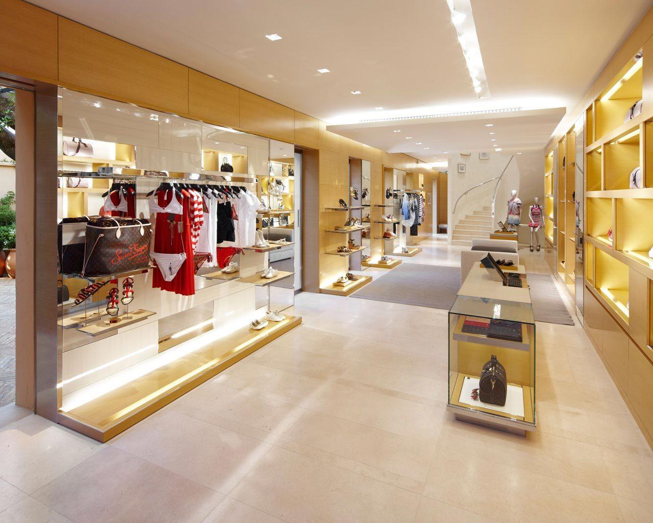666723a64b Louis Vuitton Saint-Tropez