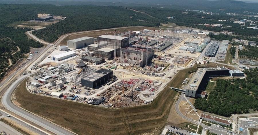 Chystaný mezinárodní reaktor