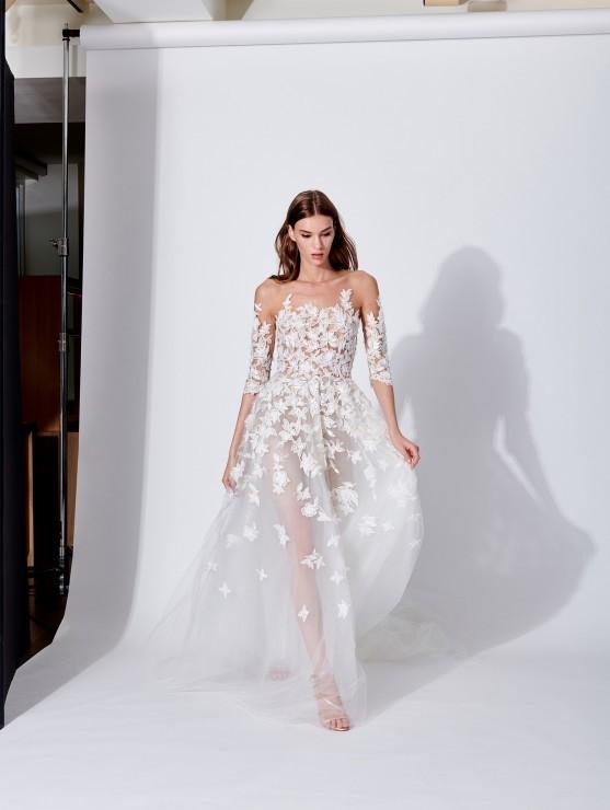Jako neodolatelná lesní víla ve svatebních šatech Oscar de la Renta ... dee233d387