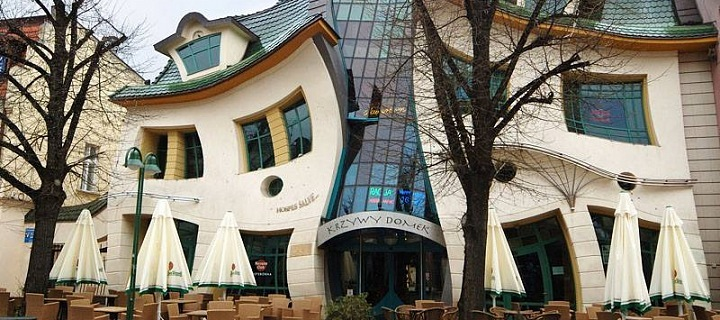 The Crooked House in Sopoty