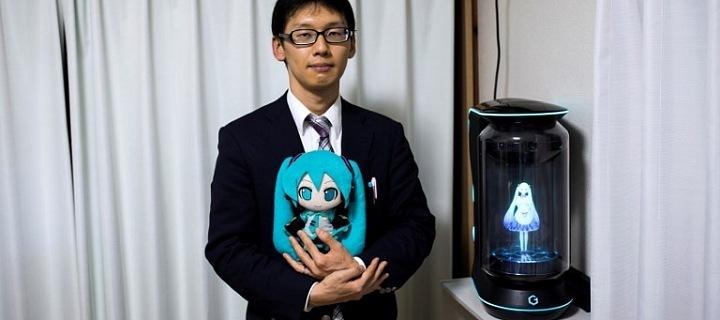 Akihiko Kondo a Miku