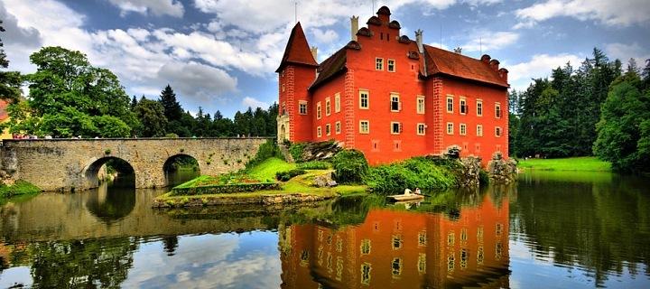 Nádherný zámek Červená Lhota