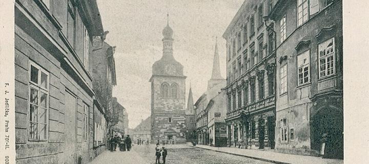 Pohled na Petrskou věž ze staré pohlednice