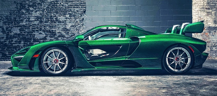 "Smaragdové auto McLaren Senna ""Fux Green"""