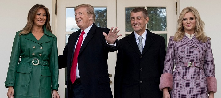 Andrej Babiš s manželkou Monikou a Donald Trump s manželkou Melanií