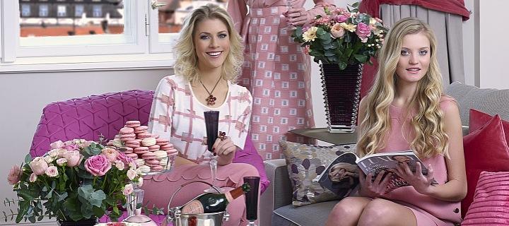 Tři ženy v růžové