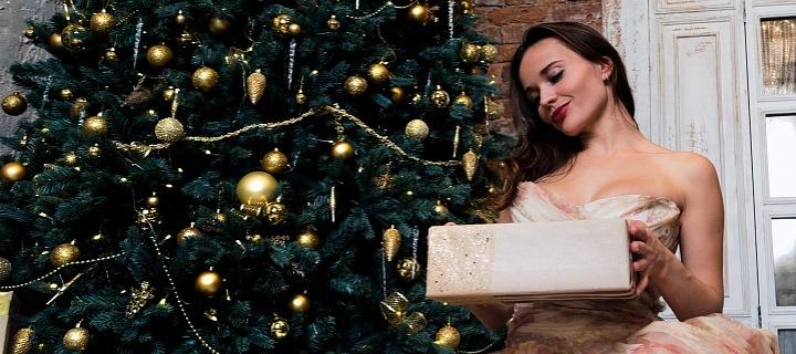 Ženy dárky milují, potěšíte ji i drobností!