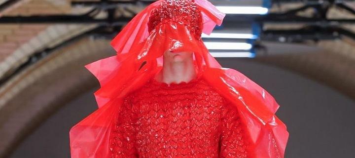 Šílený model Helmut Lang