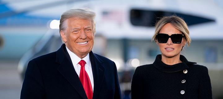 Donald Trump a Melania Trump v lednu 2021 na letišti