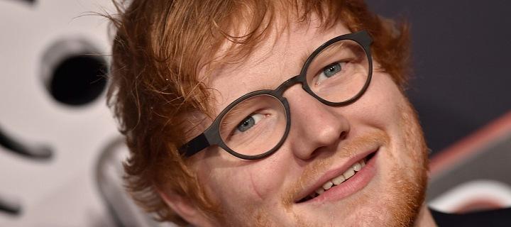 Třicetiletý britský zpěvák Ed Sheeran