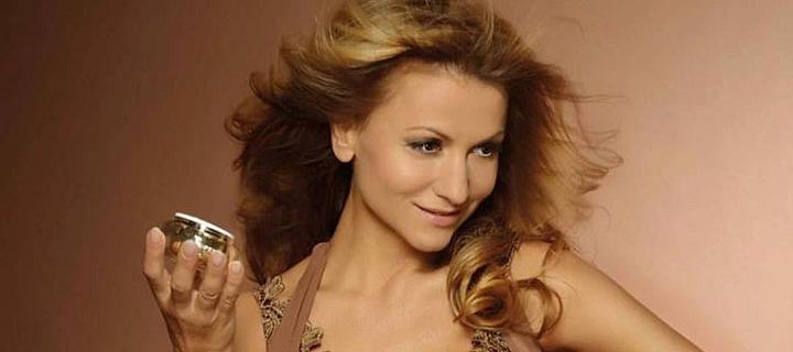 Yvetta Blanarovičová vypadá i po padesátce naprosto famózně.
