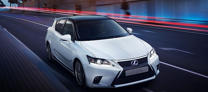 Hybridní vůz automobilky Lexus