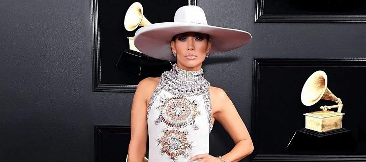 d3b1d5322314 Móda z Grammy 2019  Krása Jennifer Lopez i nevkus Dolly Parton ...