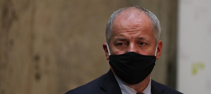 Ministr zdravotnictví Roman Prymula v černé roušce