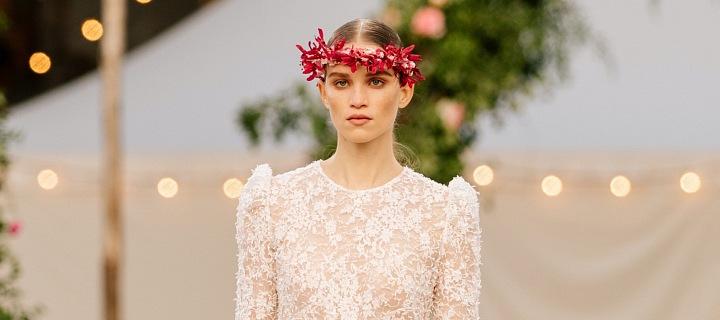 Modelka na přehlídce Chanel haute couture Spring 2021