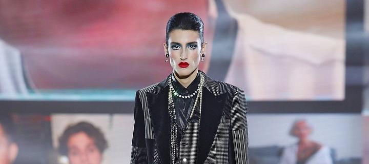 Muž na přehlídce Dolce & Gabbana