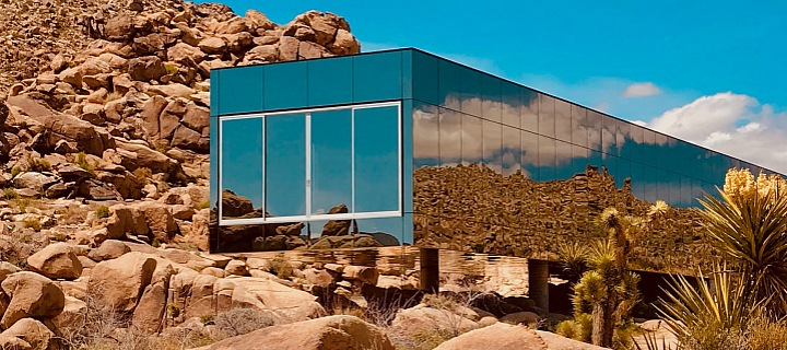 Neviditelný dům v kalifornské poušti