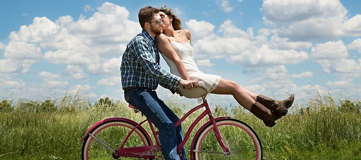 Pár na kole
