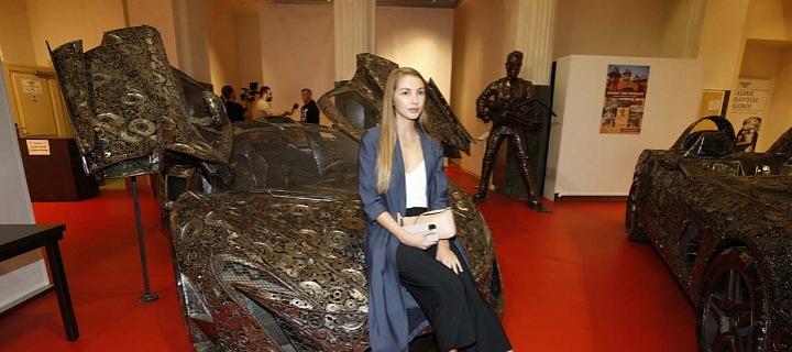 Pavlína Jágrová vyrazila bez partnera na výstavu.