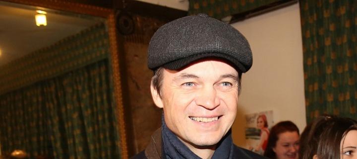 Lékař Lukáš Pollert, člen antiočkovacího týmu, obhajující svobodu neočkovaných