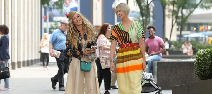 Představitelka Carrie a Mirandy na ulici