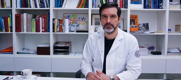 Profesor Robert Lischke