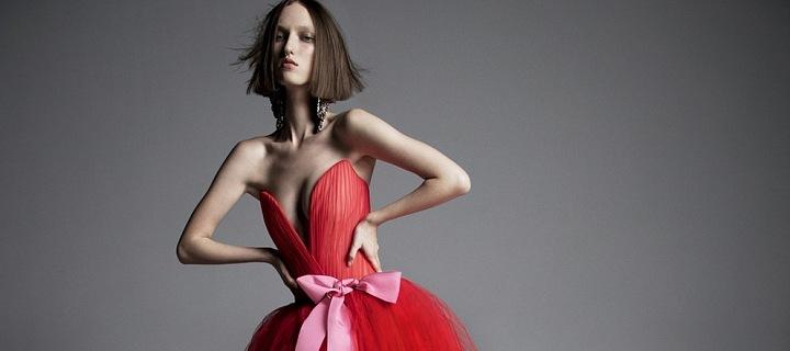 Luxusní moderní červená.