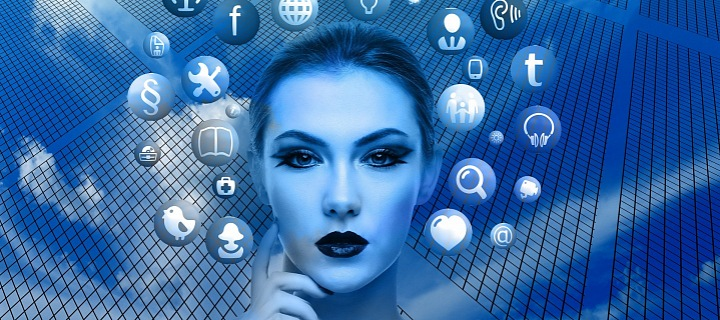 Sociální sítě a hlava ženy