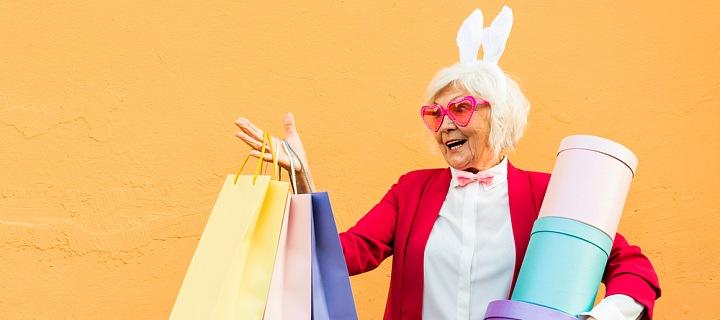 Žena během nákupů