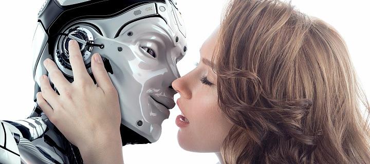 Žena líbá robota.
