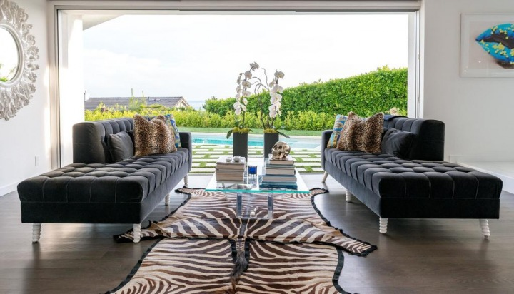 Veeve - Black Opulence on Grand View Drive