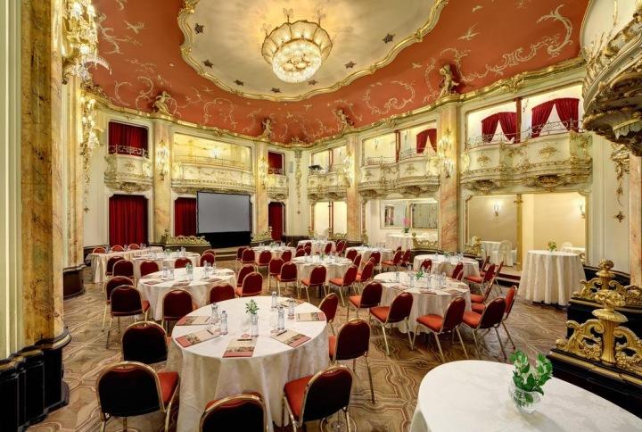 Booking - Grand Hotel Bohemia, Praha