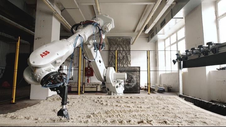 Robot s umělou inteligencí.