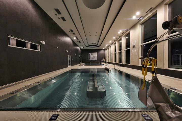 K dispozici je i bazén, kde si zaplavou i klienti na vozíčku.