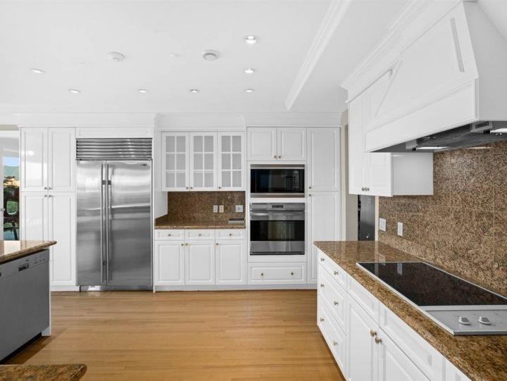 Kuchyně, Angell Hasman & Associates Realty