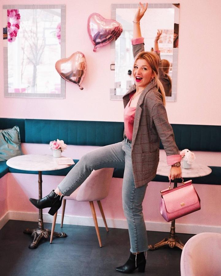 Růžová kavárna Chloé