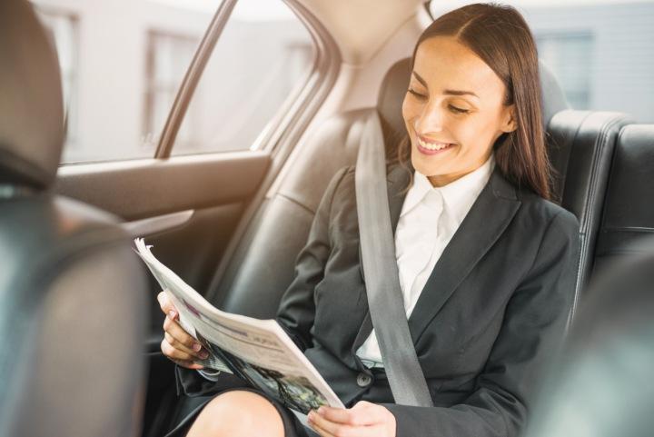 Žena v taxíku