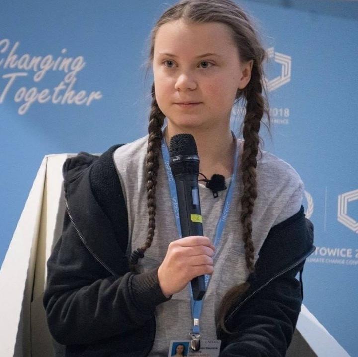 Greta o problémech s klimatem hovoří po nejrůznějších světových konferencích.