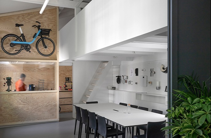 Hybridní interior navržen Agence Elium.