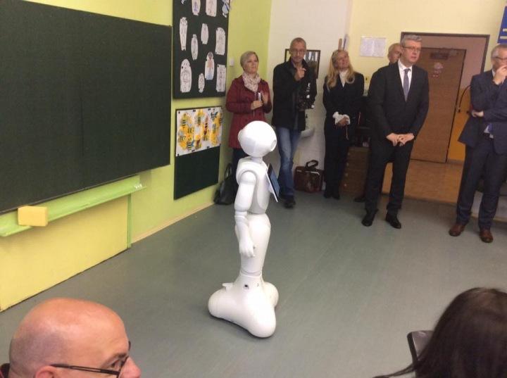 Robot Ruby pomáhá učitelům s výukou.