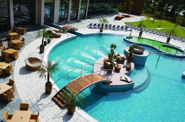 Spirit hotel - luxusní venkovní prostředí