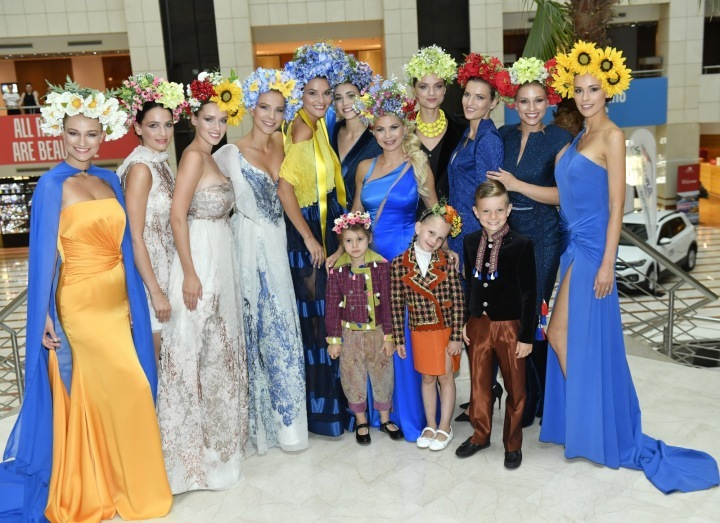 Natali Ruden with models