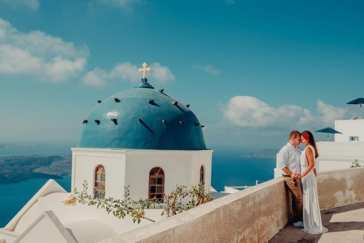 Santorini je jedním z nejoblíbenějších svatebních míst na světě