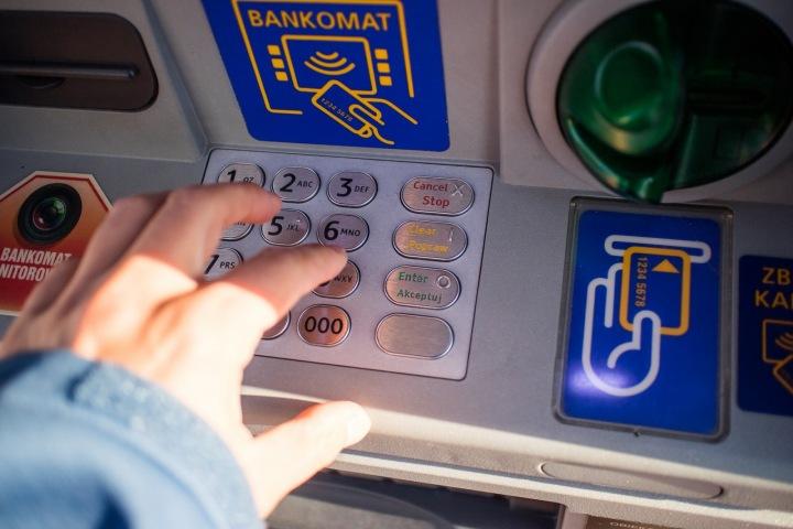 Také při výběru z bankomatu můžete zaplatit více