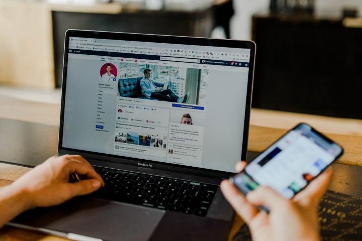 Podezření na únik dat 3,8 miliardy uživatelů Facebooku a Clubhousu